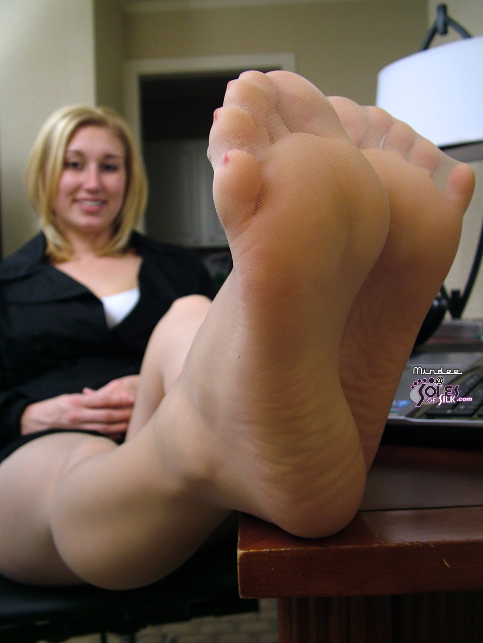 Foot Fetish Forum Soles Of Silk Mindee S Super Soft